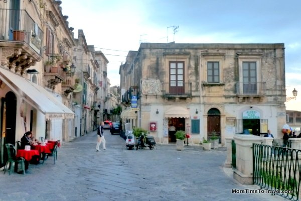 book review siracusa by delia ephron more time to travel