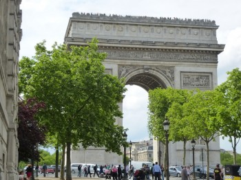 arch de triomphe 350x262 Win a trip to Paris with bestselling author Cara Black (Contest ends 4/30/13)