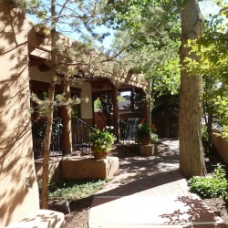 Inn on the Alameda: Convenience and comfort close to Canyon Road