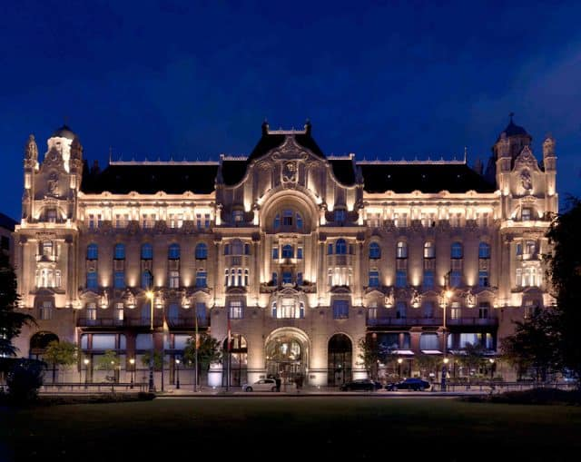 PKITGresham Palace Exterior night Best of Budapest: Four Seasons Hotel Gresham Palace