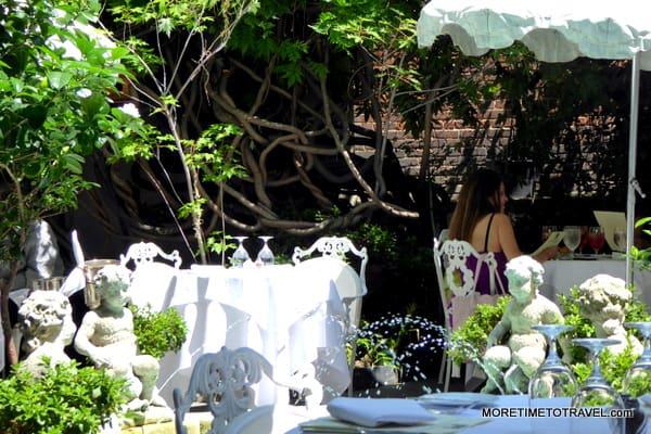 Barbetta garden