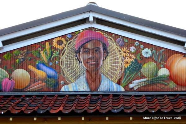 Iconic mural on Charleston City Market by artist David Boatwright
