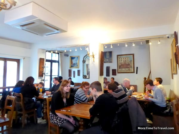 Second floor tearoom at Maison Dandoy
