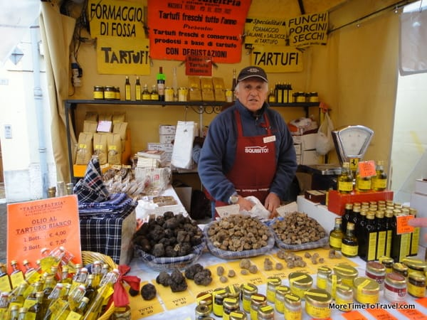 A truffle vendor at the fair in Sant'Agata Feltria
