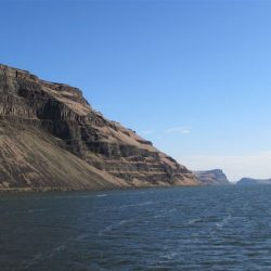 Along the Columbia River: History, scenery and outstanding wine