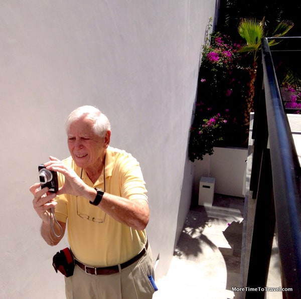 Jerry adjusting his camera to the sun in Los Cabos, Mexico