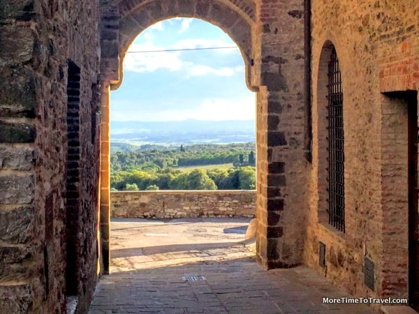 San Gusme: Serendipitously finding the most charming small town in Italy
