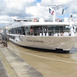 A Scenic River Cruise through Bordeaux Wine Country