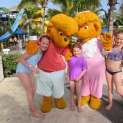 Memories: A three-generation travel resort with a water park and world-class beach