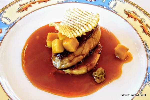 Scallop of foie gras, pan-cooked, passion fruit sauce