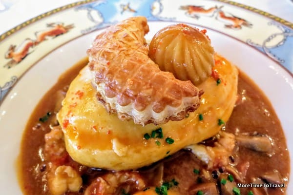 Traditional Lyon quenelles of pike with crayfish, Nantua sauce