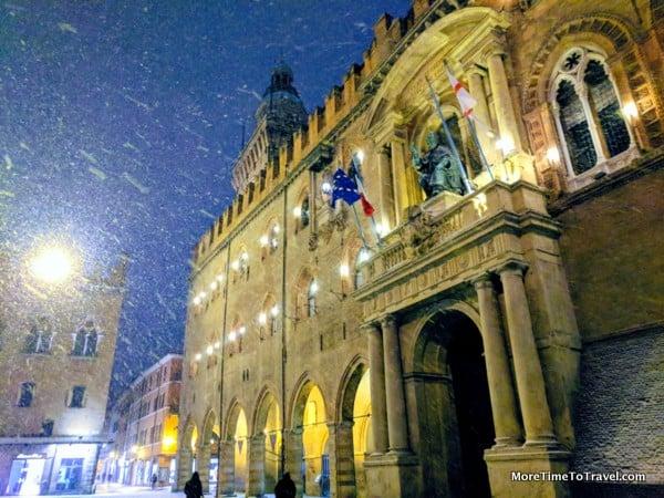 Palazzo Comunale, Piazza Maggiore, Bologna (Credit: Andrew Levine)
