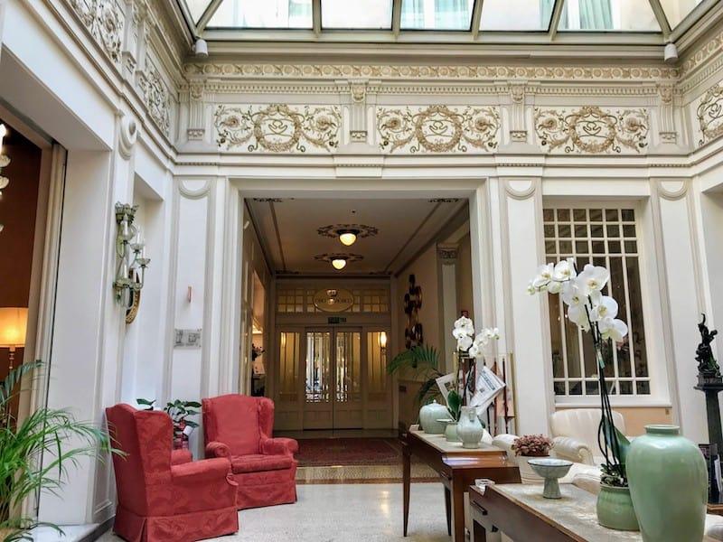 lobby of Hotel Corona D'oro in Bologna