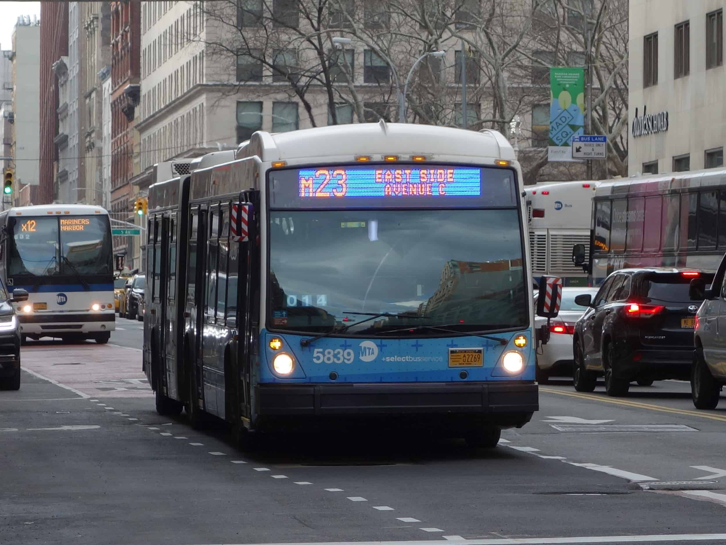 Photo of an MTA bus on Park Avenue and 23rd Street