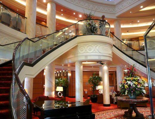 The elegant atrium lobby on the QM 2